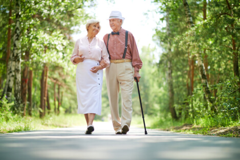 Why Walking Is Beneficial to Seniors