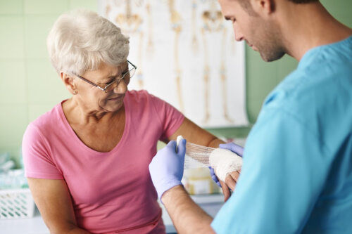 Summer Time Wound Care Tips for an Aging Loved One